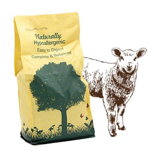 Cibo per cani Linea Naturally con agnello e ricco di riso